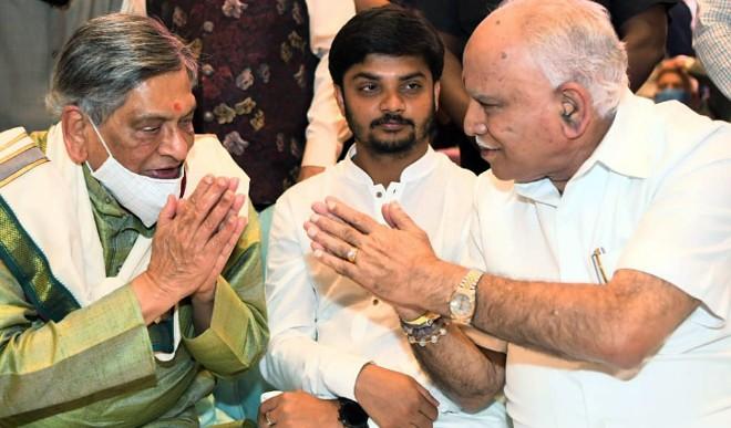 मुख्यमंत्री येदियुरप्पा ने कैबिनेट का विस्तार किया, सात मंत्रियों ने शपथ ली
