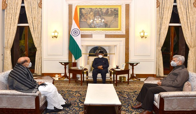 राष्ट्रपति कोविंद से मिले राजनाथ सिंह और एस जयशंकर, ट्विटर पर साझा की तस्वीर