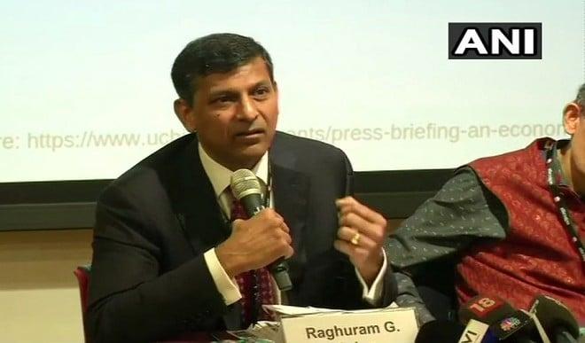 आम बजट को लेकर रघुराम राजन ने दिया सुझाव, बोले- खर्च की प्राथमिकता तय करें, बुनियादी ढांचे को दें बढ़ावा