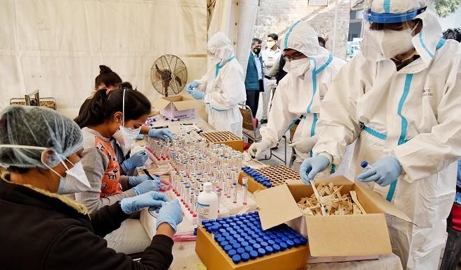 Unlock-5 का 112वां दिन: देश में उपचाराधीन मरीजों की संख्या घट कर दो लाख से नीचे आई