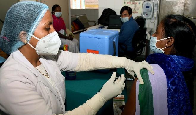 भारत में कोविड-19 के पिछले 24 घंटे में दर्ज हुए 15,223 नए मामले, 151 लोगों की मौत