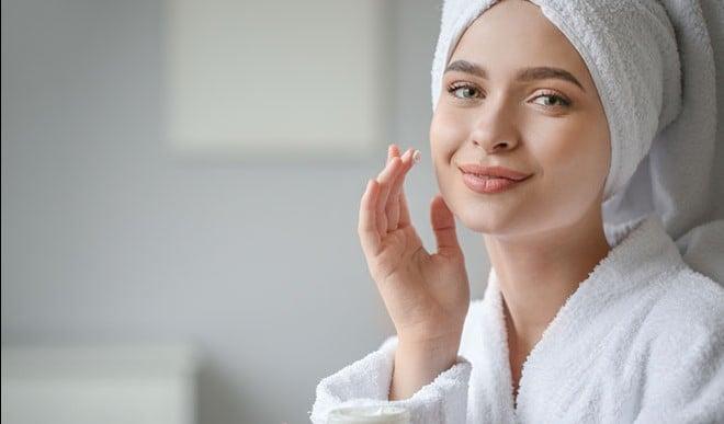 सर्दियों में फटी त्वचा के लिए आज़माएं यह उपाय, तुरंत होगा लाभ