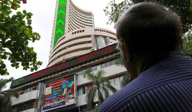 शेयर बाजार में उतार-चढ़ाव जारी,सेंसेक्स 531 अंक की गिरावट के साथ बंद