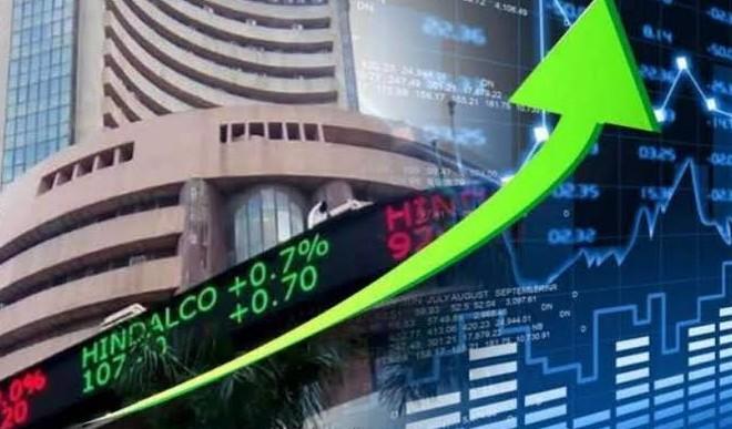 बाजार में तेजी जारी, सेंसेक्स 569 अंक उछलकर पहली बार 61,000 के ऊपर बंद