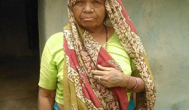 अशिक्षित रूपन बाई ने स्कूल के लिए दी मुफ्त में जमीन, ताकि कोई इनकी तरह न रहे शिक्षा से वंचित