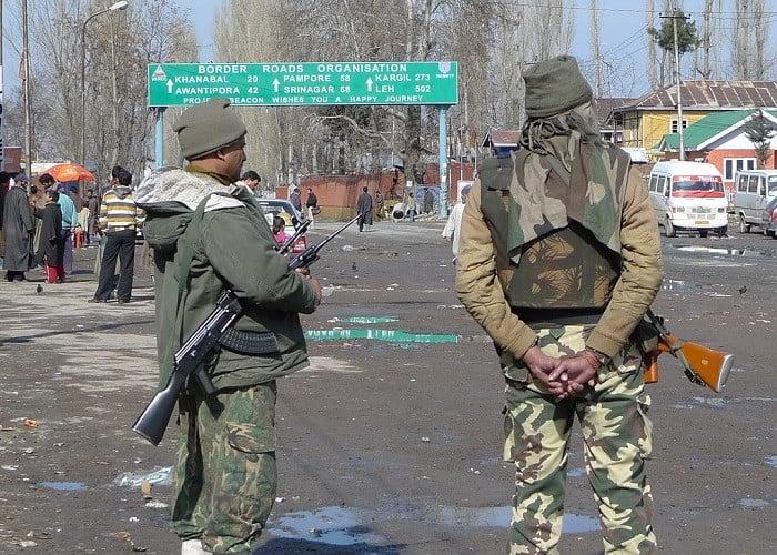 जम्मू-कश्मीर के बदल रहे हालात, राजनीतिक गतिविधियाँ फिर से शुरू