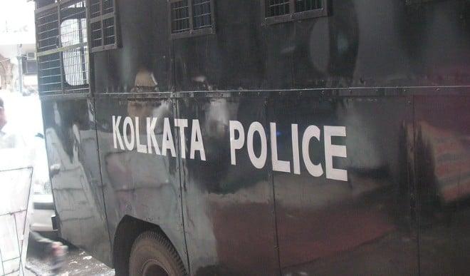 कोलकाता पुलिस को भाजपा नेता राकेश सिंह के घर जाने से रोका गया