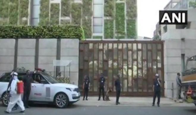 मुंबई पुलिस ने कहा, अंबानी के घर के बाहर वाहन खड़ा करने की जिम्मेदारी लेने वाला पत्र हो सकता है फर्जी
