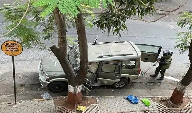 मुकेश अंबानी के घर के बाहर मिली कार को फॉरेंसिक जांच के लिए भेजा गया