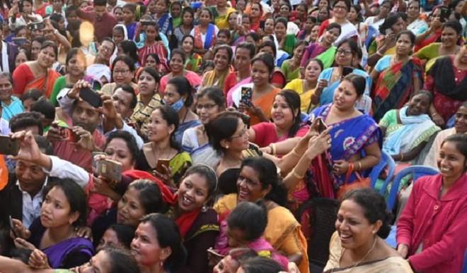 असम में महिला मतदाताओं को लुभाने में लगी पार्टियां, 223 उम्मीदवारों में सिर्फ 19 महिलाओं को टिकट