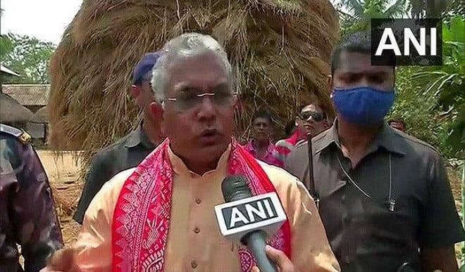 बंगाल भाजपा अध्यक्ष  दिलीप घोष ने तृणमूल कार्यकर्ताओं पर लगाया हमला करने का आरोप