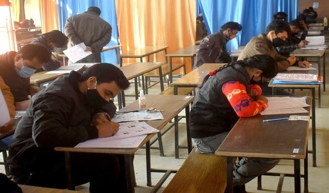 हरियाणा बोर्ड से दे रहे हैं 12वीं की परीक्षा तो इस तरह से करें तैयारी