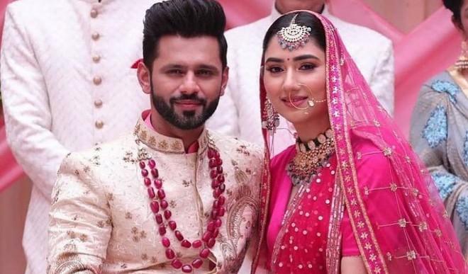 क्या राहुल वैद्य ने अपनी गर्लफ्रेंड दिशा से कर ली शादी? जानें सोशल मीडिया पर वायरल तस्वीरों का सच