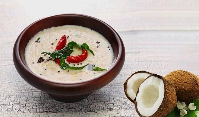 व्रत में कुछ इस तरह बनाएं नारियल की चटनी, हेल्दी भी है और टेस्टी भी