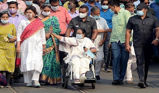 ममता का आरोप, बंगाल में कोविड के मामलों में बढ़ोतरी के लिये भाजपा जिम्मेदार