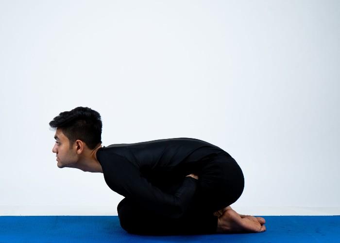 लिवर को रखना है फिट और हेल्दी तो करें ये योगासन, मिलेगा बहुत लाभ