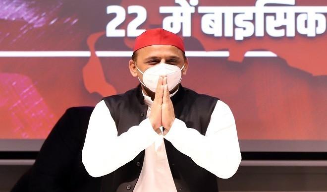 लापरवाह अफसरों के खिलाफ कार्रवाई क्यों नहीं कर रहे मुख्यमंत्री: अखिलेश