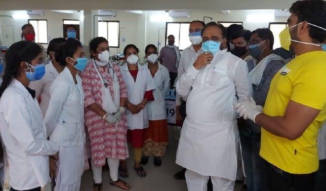 मध्य प्रदेश के पीडब्ल्यूडी मंत्री ने निकाली डॉक्टर की भर्ती, जेब से देंगे दो लाख वेतन