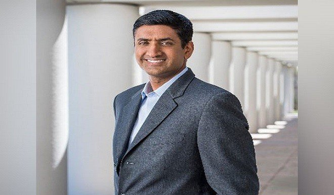 आशा है बाइडेन फाइजर के CEO से बात कर भारत को टीका निर्माण की अनुमति देंगे: सांसद रो खन्ना
