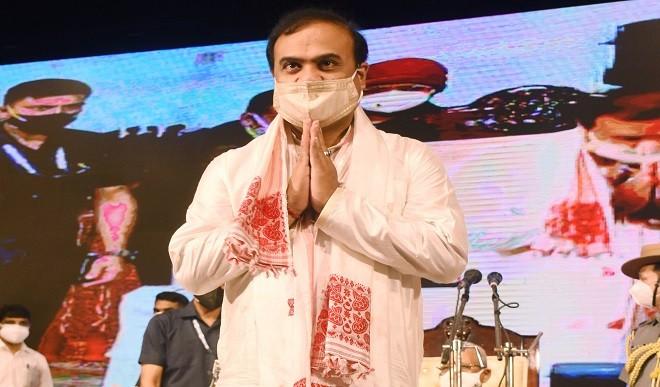 हिमंत बिस्वा सरमा ने ली CM पद की शपथ, कहा- पांच साल में असम की गिनती टॉप पांच राज्यों में होगी