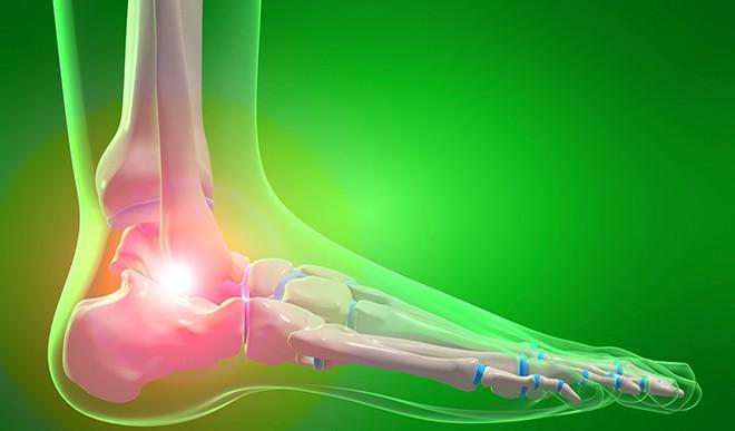 इन लक्षणों को न करें नजरअंदाज, ये बीमारी होने पर कभी भी टूट सकती हैं शरीर की हड्डियां!