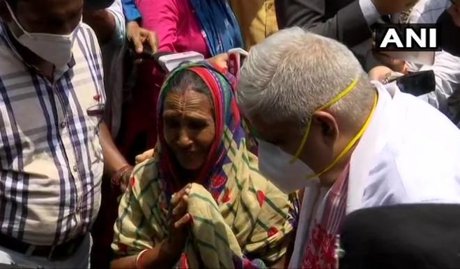 पश्चिम बंगाल के राज्यपाल धनखड़ ने किया नंदीग्राम का दौरा, हिंसा प्रभावित लोगों से की मुलाकात
