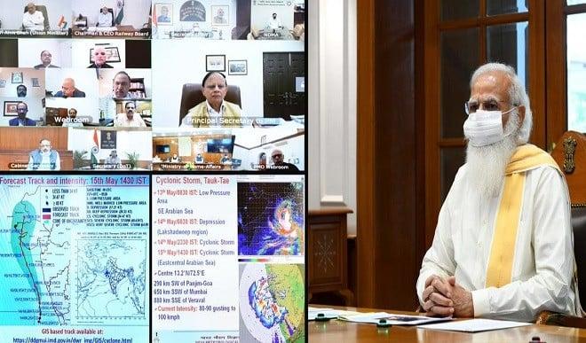 चक्रवात 'तौकते' से निपटने की तैयारियों का प्रधानमंत्री मोदी ने लिया जायजा