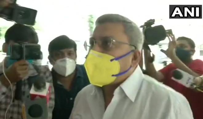बंगाल के मंत्री फिरहाद हाकिम, सुब्रत मुखर्जी और MLA मदन मित्रा को CBI ने हिरासत में लिया