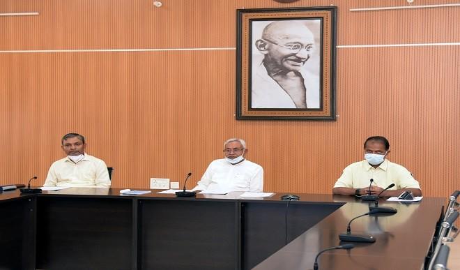 चिदंबरम ने नीतीश से पूछा- कभी दरभंगा गए? बिहार के मंत्री संजय कुमार झा ने किया पलटवार