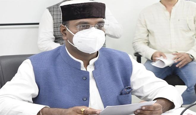 प्रदेश में बढ़ते पेट्रोल और डीजल के दामों के पीछे कांग्रेस का हाथ है: मंत्री विश्वास सारंग