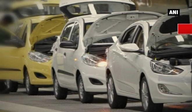 कोरोना के कारण ऑटो इंडस्ट्री को लगा झटका, मई में यात्री वाहनों की ब्रिकी 66 प्रतिशत घटी
