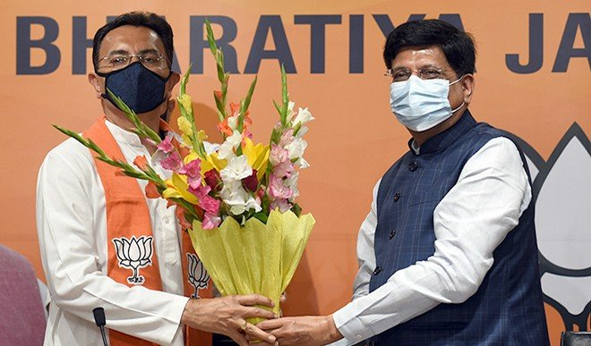 लंबे समय से हाशिये पर चल रहे ब्राह्मण मतदाता यूपी की राजनीति के केंद्र में आ गये हैं