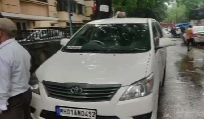 एंटीलिया मामले में NIA ने लंबी पूछताछ के बाद शिवसेना नेता प्रदीप शर्मा को किया गिरफ्तार