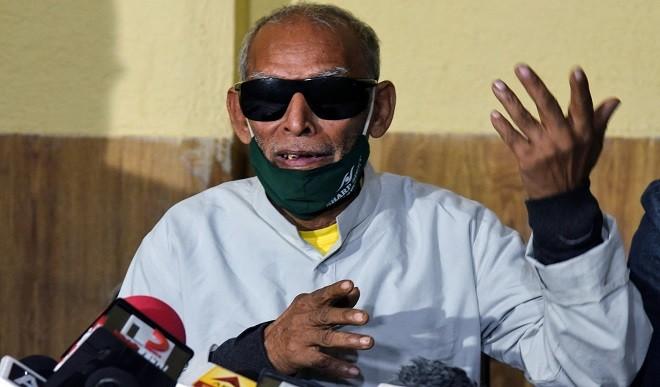 बाबा के ढाबा वाले कांता प्रसाद ने की खुदकुशी की कोशिश, अस्पताल में भर्ती, हालत नाजुक