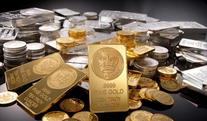 सोना-चांदी भाव: सोने में 66 रुपये की गिरावट, चांदी 332 रुपये चढ़ी