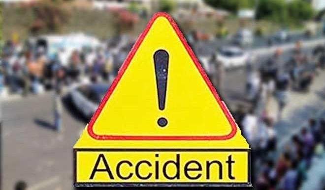उत्तर प्रदेश: बलरामपुर में कार तालाब में गिरी, एक ही परिवार के 6 लोगों की मौत