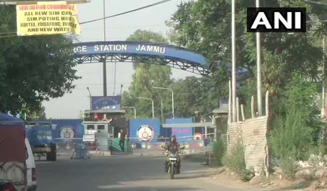 जम्मू एयरपोर्ट के तकनीकी क्षेत्र के अंदर दो धमाके हुए, कोई हताहत नहीं; जांच जारी