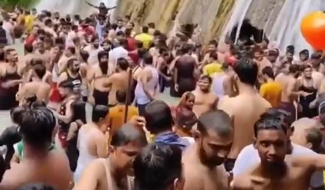 कोरोना प्रोटोकॉल की धज्जियां उड़ने के बाद फिर लगी पाबंदी, पर्यटकों को आधे घंटे से ज्यादा रुकने की अनुमति नहीं