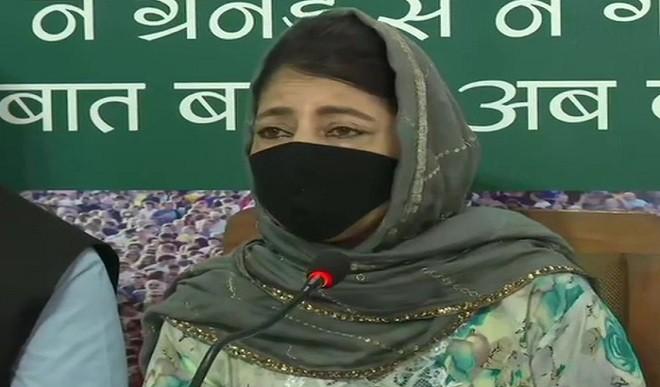 महबूबा का मोदी सरकार पर हमला, कहा- 370 हटाने का मकसद जम्मू-कश्मीर को लूटना था