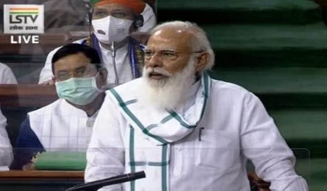 संसद सत्र की हंगामेदार शुरूआत, पीएम मोदी ने नए मंत्रियों का परिचय कराया