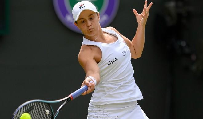 विंबलडन चैंपियन और विश्व नंबर एक टेनिस खिलाड़ी ऐश बार्टी ओलंपिक के लिए पहुंची जापान