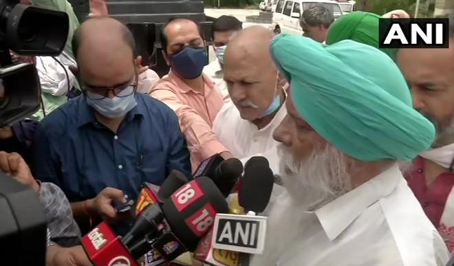 संसद घेराव को लेकर किसान संगठनों की दिल्ली पुलिस के साथ हुई बैठक, राजेवाल बोले- अनुमति की कोई बात नहीं हुई