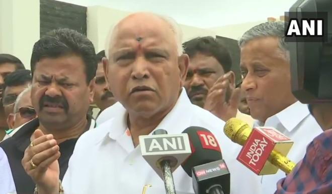 कर्नाटक के मुख्यमंत्री येदियुरप्पा ने दिए पद छोड़ने के संकेत, विधायकों को रात्रिभोज पर किया आमंत्रित