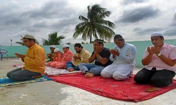 देश भर में मनाया गया ईद-उल-अजहा का पर्व