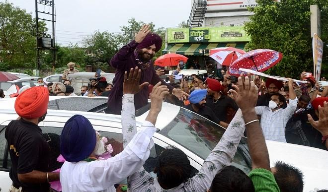 23 जुलाई को पंजाब कांग्रेस अध्यक्ष का पद संभालेंगे सिद्धू, कैप्टन को भी भेजा न्योता