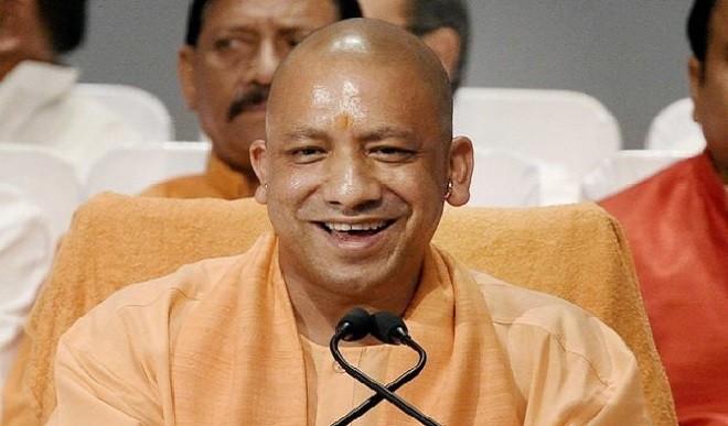 मुख्यमंत्री योगी आदित्य नाथ के कर-कमलों से नियुक्ति पत्र पाकर नव चयनित आबकारी निरीक्षकों के चेहरे खिले