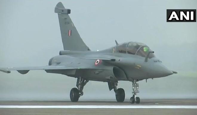 दूसरा राफेल दस्ता फ्रांस से उड़ान भरकर भारत पहुंचा, अब फाइटर प्लेन की संख्या बढ़कर 24 हुई
