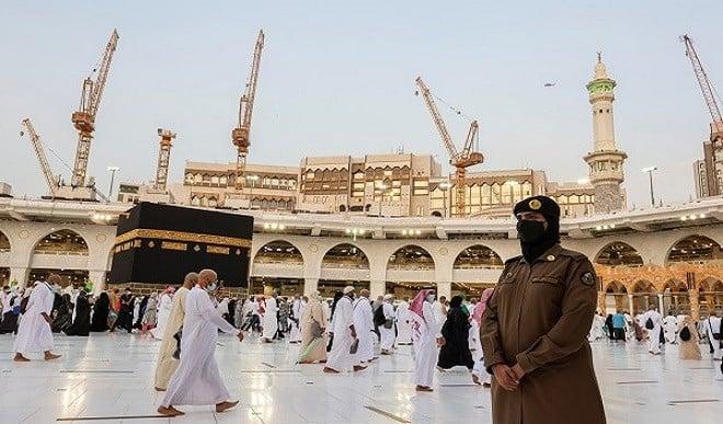 महिलाओं को लेकर बदली सऊदी अरब की सोच! पहली बार मक्का में हुई महिला सेना की तैनाती