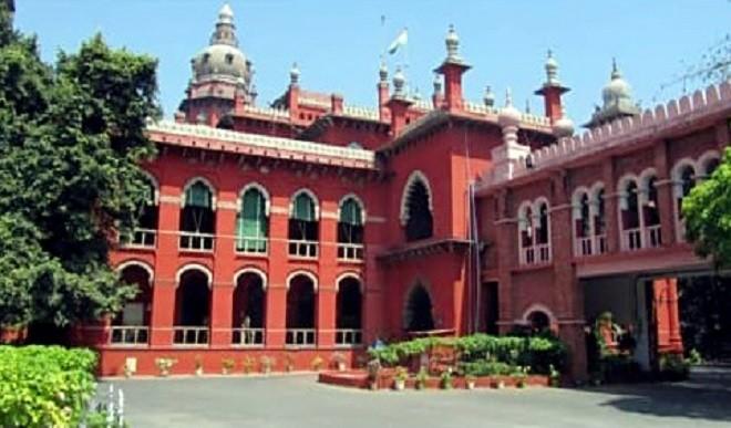 मद्रास उच्च न्यायालय ने अभिनेता विजय के विरूद्ध एकल न्यायाधीश के आदेश पर रोक लगायी