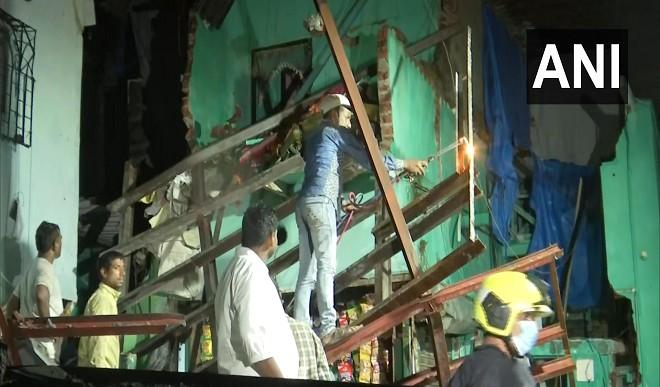 मुंबई के अंधेरी में गिरी चार मंजिला इमारत, छह लोग घायल